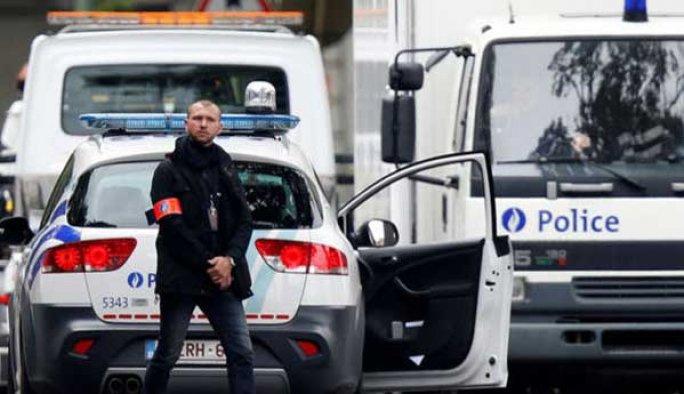 Belçika'da onlarca Müslüman evine operasyon
