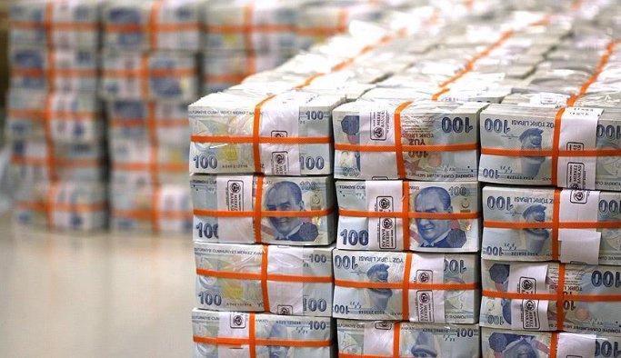 Bütçe mayısta 3,7 milyar lira fazla verdi
