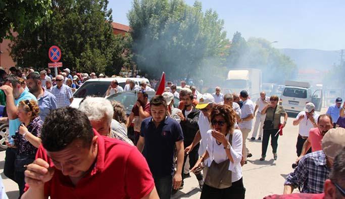 CHP'lilerin 10. Yıl Marşı protestosuna gazlı müdahale