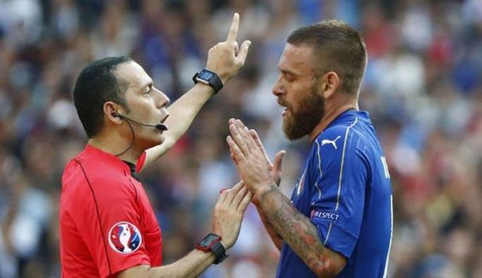 Cüneyt Çakır'ın EURO 2016 serüveni bitti