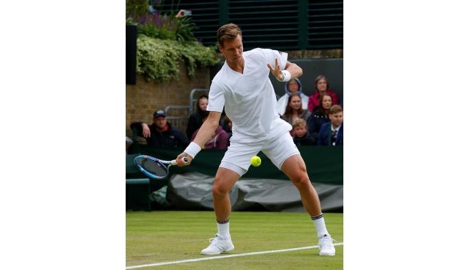 Djokovic, Wimbledon'a kayıpsız devam etti