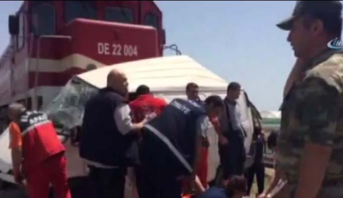 Elazığ'da tren-minibüs faciası: 7 ölü