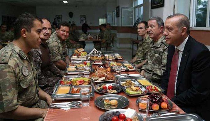 Erdoğan iftarını Mardin'de askerle birlikte açtı