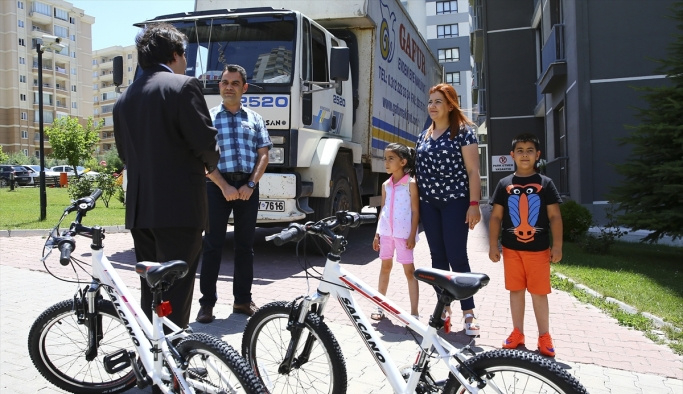 Erdoğan'dan şehit ve gazi çocuklarına karne hediyesi