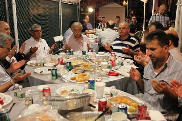 """Eskişehir'de """"Askıda iftar"""" projesi"""