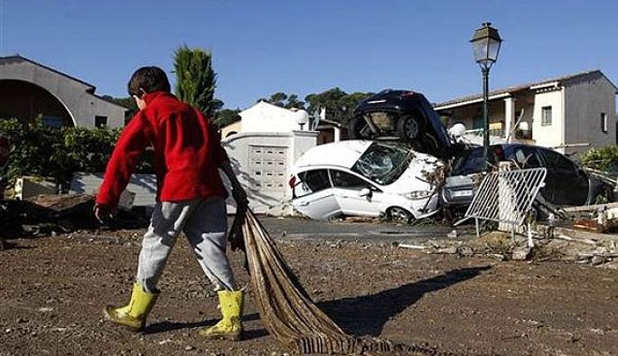 Fransa'nın başı bu kez 'doğal afetler'le dertte