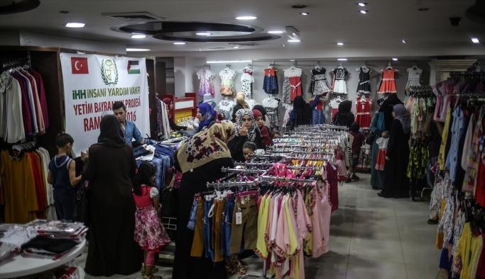 İHH'dan Gazzeli yetimlere bayramlık