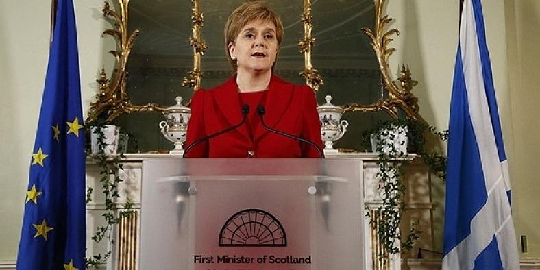 İskoçya da İngiltere'den ayrılıyor