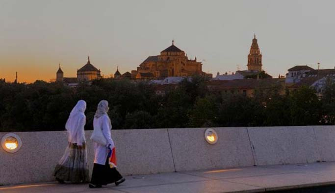İspanya'da Müslümanlar eşitlik istiyor