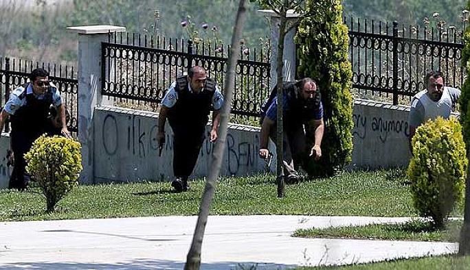 İstanbul'da polise saldırı, 1 şehit