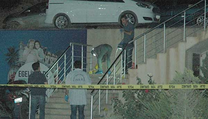İzmir'de yol verme kavgası: İki ölü