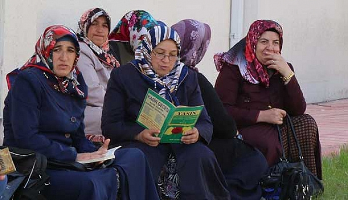 LYS'nin duacı anneleri iş başında