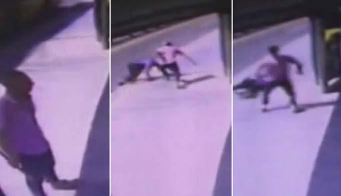 Metrobüste bıçaklı saldırgan dehşeti