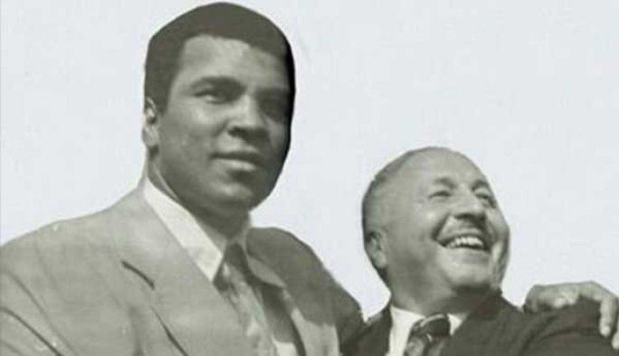 Muhammet Ali'yi İstanbul'da Erbakan kaşılamıştı