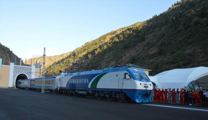 Özbekistan'daki Angren-Pap demiryolu