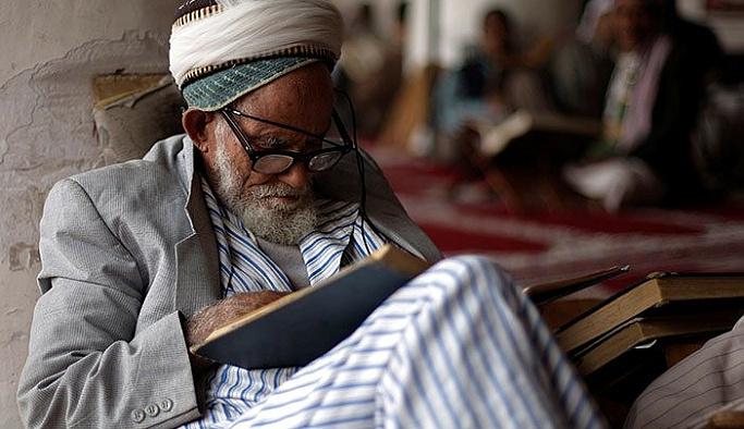 Pakistan camilerinde itikaf hareketliliği