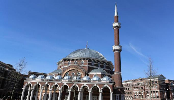 PKK'lılar Hollanda'da camiye saldırdı