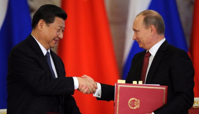 Putin, Çin'de 30 anlaşmaya imza attı