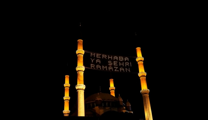 Selimiye Camii'nde ilk teravih coşkusu