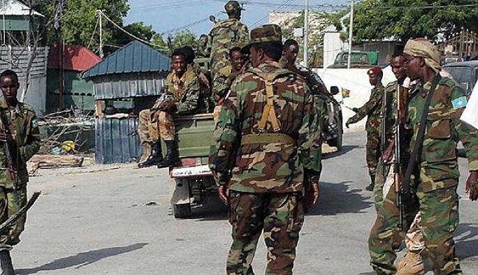 Somali'de askeri karargaha saldırı: 43 ölü
