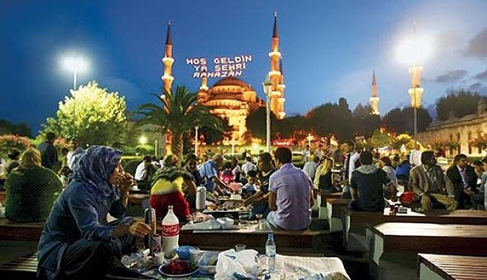 Sultanahmet Ramazan'a hazır