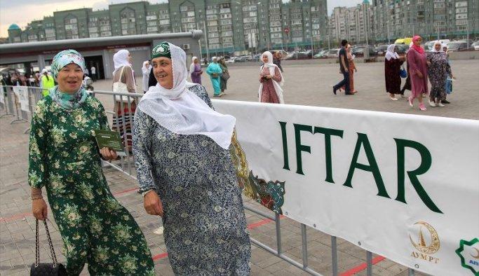 Tataristan'da 10 bin kişilik iftar