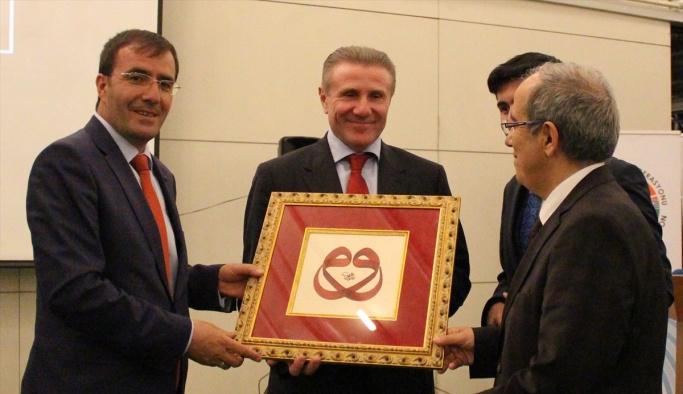 Türk atletizm camiası Bubka ile bir araya geldi