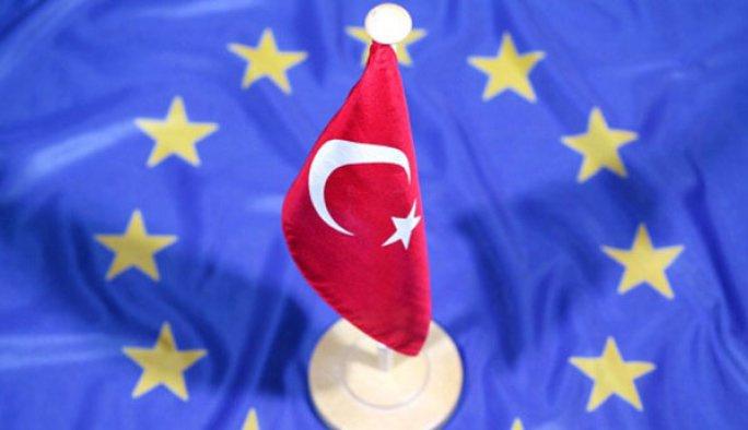 WSJ: AB Türkiye ile müzakereleri durduracak