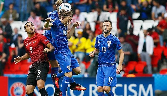 Türkiye ilk maçında Hirvatistan'a yenildi