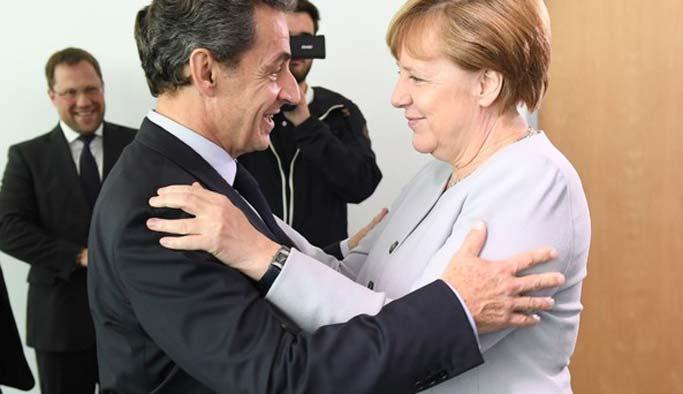 Türkiye karşıtı Sarkozy yeniden sahnede