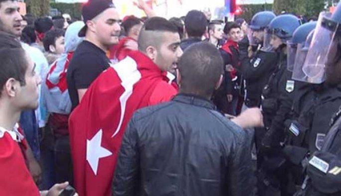 Türkler ile İngilizler birbirine girdi