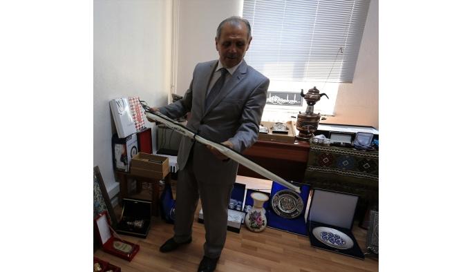 Vali Salihoğlu, hediyeleri