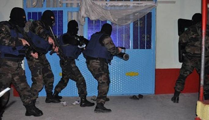 Van'da üç, Dağlıca'da 10 PKK'lı öldürüldü