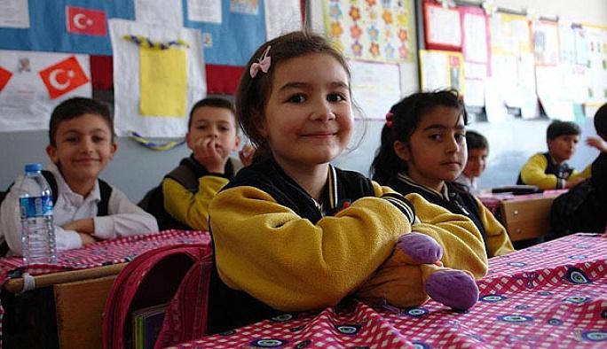 Yüksekova'da okullar yeniden açıldı