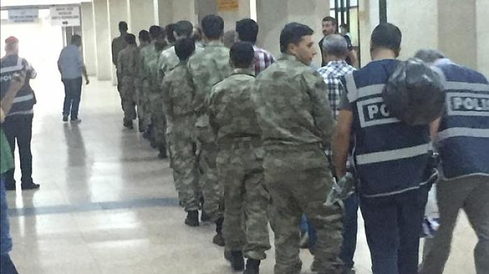 300 Rütbeli asker Ankara adliyesine getirildi