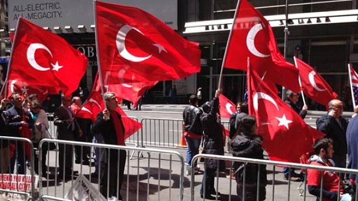 Amerika'daki Türklerden FETÖ'ye protesto