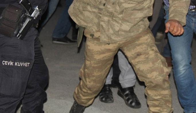 Beş ilde rütbeli 11 asker gözaltında