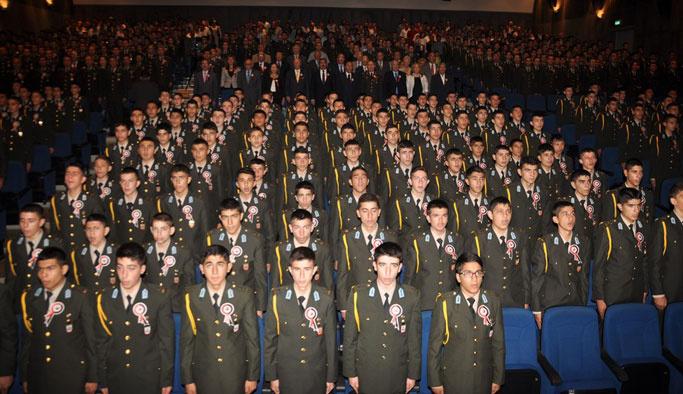 Bütün askeri okullar kapatıldı