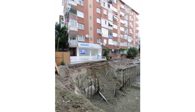 Bahçelievler'de toprak kayması