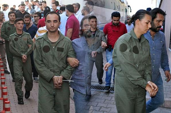 Balıkesir'de 14 pilot gözaltında