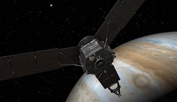 Beş yıl önce fırlatılan Juno, Jüpiter'e kavuşuyor