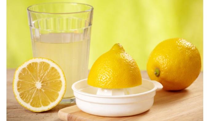Çay yerine sıcak su ve limon