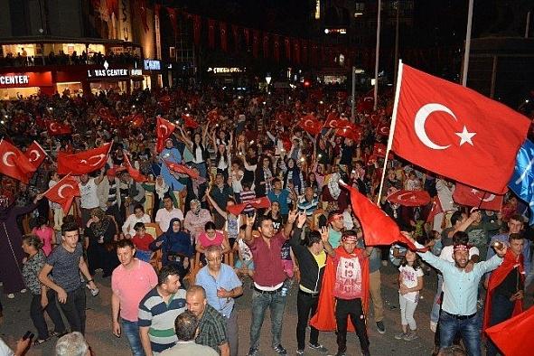 """CHP'nin """"Cumhuriyet ve Demokrasi Mitingi"""""""