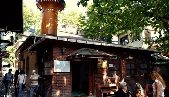 Çınaraltı Hamdullah Paşa Camisi ibadete açıldı