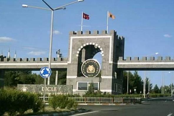 Dicle Üniversitesi'nde personelin birimlere girişi yasaklandı