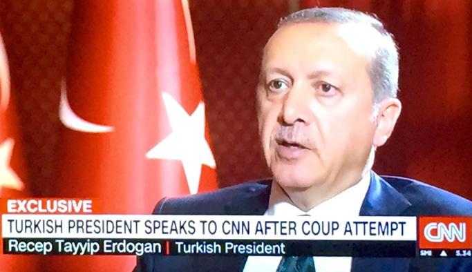 Erdoğan: Darbecilerin havalimanından temizlenmesini emrettim