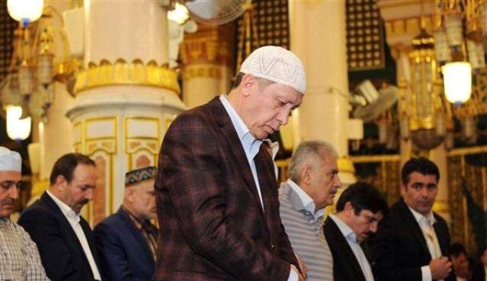 Erdoğan, Harekat Daire Başkanlığı yakını Şehitler Camii'nde kıldı