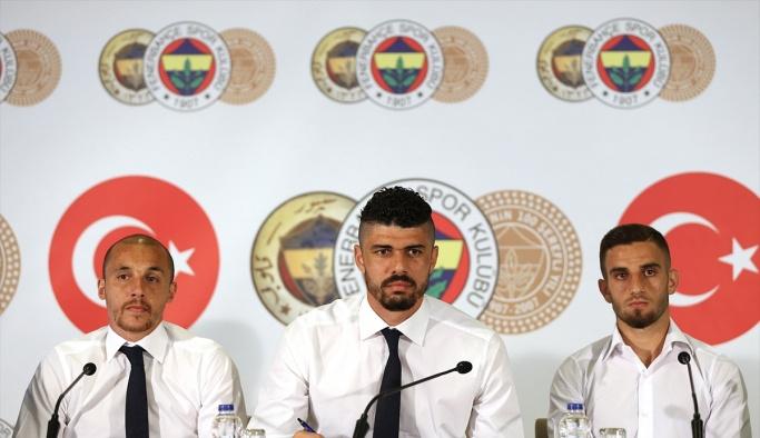 Fenerbahçe'de 3 imza