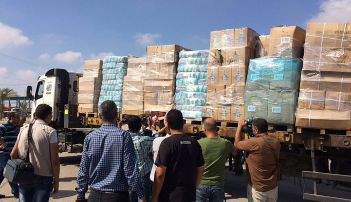 Gazze'ye sadece bir kamyon ulaşabildi