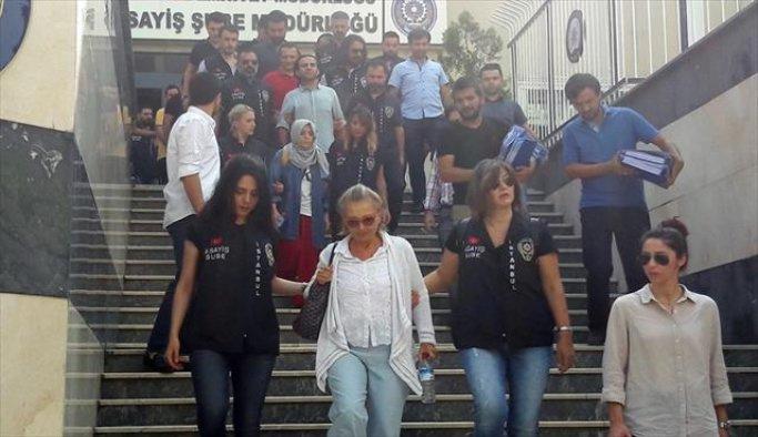 Nazlı Ilıcak ve 19 gazeteciye tutuklama talebi